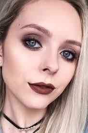 dark eyes with brown lips brownlips softsmokey 90s makeup look makeup looks