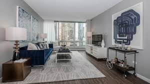 Extralarge Luxury Onebedrooms In Streeterville  YoChicago - Luxury apartment bedroom