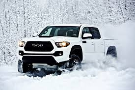2017 Toyota Tacoma TRD Pro Is a Small but Extreme Off-Road Pickup ...