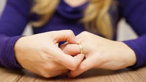 7 điều quan trọng cần làm trước khi ly hôn | ELLE Man Việt Nam