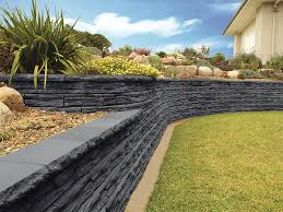 garden ideas with retaining wall