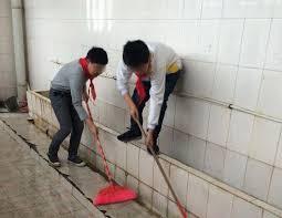 school bathrooms. Pupils Clean A School Bathroom. [hxnews.com] Bathrooms