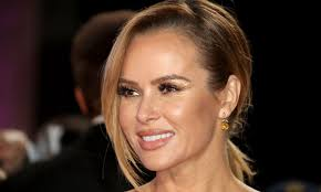 Amanda louise holden is an english actress, singer and presenter, best known as a judge on itv's britain's got talent since. Awesome Amanda Holden Makeup Bag And View Amanda Holden Celebrity Outfits Inspirational Celebrities