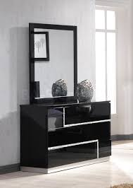 black furniture. Bedroom Furniture With Black Lacquer Dresser And Mirrored