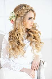 Frisur F R Hochzeit Elegante Brautfrisur Mit Locken