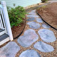 diy concrete stepping stones that look