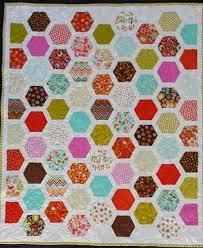 Serena Bean Quilts: Wren and Friends Framed Hexagon Quilt &  Adamdwight.com