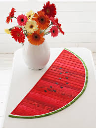 Free Quilt Patterns for Small Quilts & Summer-Inspired Watermelon Table Runner Adamdwight.com