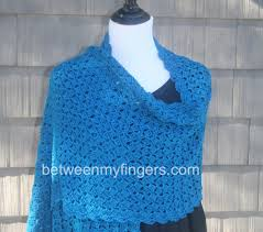 Free Crochet Prayer Shawl Patterns Stunning Hug For Janice Shawl Free Crochet Pattern Between My Fingers