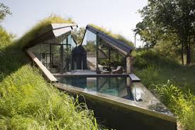 Edgeland House from Bercy Chen Studio Angle roof