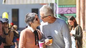 She played a number of small roles in films and on television before obtaining recognition for her leading role in the film brown's requiem (1998). Liebe Macht Stark Selma Blair Turtelt Mit Freund David Promiflash De