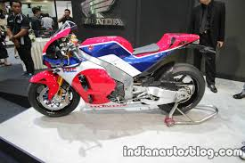 2018 honda v4. delighful 2018 the honda v4 superbike is expected to be showcased in 2018 with a launch  2019 that marks the 70th anniversary of honda new bike planned  on honda v4 t