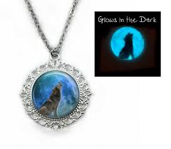 glow in the dark howling wolf full moon