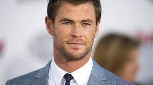 Chris Hemsworth zeigt seine sexy XXL-Muckis – und macht Chris Pratt und Co.  neidisch