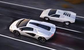 Lamborghini Countach LPI 800-4, de ...