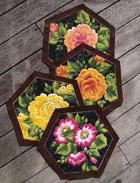 hexagon patterns| free patterns| patchwork tips| placemats| kiwiquilts & hexagon placemats colour web.jpg Adamdwight.com