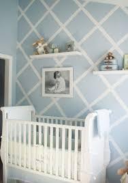 Rautenmuster An Der Wand Mit Blauer Und Weißer Farbe Kinderzimmer