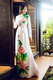 Image result for tranh vẽ áo dài việt nam