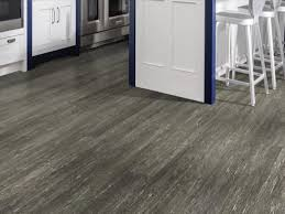 shaw paramount vinyl plank flooring 5 91 x 36 84 18 14 sq ft pkg at menards