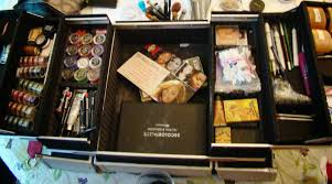 building a beginner makeup artist kit what s in my kit
