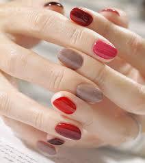 短い爪はこんなに可愛い必見春のショートネイル見本帳 Locari