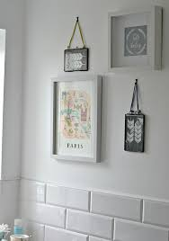 grey wall art for bathroom