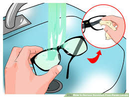 aid1378210 728px remove scratches from plastic lenses step