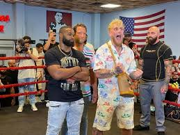 Jun 02, 2021 · with ufc veteran tyron woodley set to face jake paul in paul's showtime boxing debut, likely on aug. Jake Paul To Face Tyron Woodley On August 29 Fight To Be Shown On Showtime Ppv The Ring