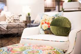 Quick Ways to Cozy Your Home at Gardner Village & From bedding to home decor, these ideas from the shops at Gardner Village  ... Adamdwight.com