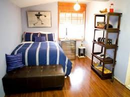 Male Bedroom Decor Block Board Stained Frame Bed Masculine Bedroom Decorating