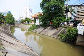 นายนิพนธ์ บุญญามณี รัฐมนตรีช่วยว่าการกระทรวงมหาดไทย (มท.2) นำทีม อจน.ลงใต้  ลุยสำรวจแก้ไขปัญหาน้ำเสียคลองเตย-ตลาดน้ำคลองแห หาดใหญ่ หวัง ขยายต่อ หลัง  กรณี คลองสำโรง สงขลา ได้รับเสียงตอบรับเป็นอย่างดี – องค์การจัดการน้ำเสีย