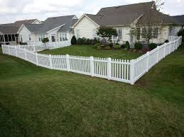 vinyl fencing. White Vinyl Fencing