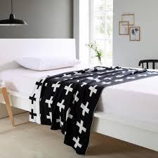 warm baby bedding black white 100 cotton baby knitted swaddle blanket sofa crib pram cot bed play mat cobertores mantas zebra print heated blanket dark