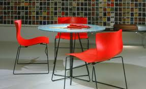 paperclip small round table
