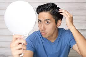 薄い髪の分け目が気になる男性必見隠せるおすすめの髪型と対策5選