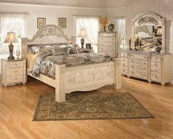 Light Bedroom Furniture 4pc Poster Bedroom Set In Light Beige