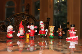 Crafty Christmas Decorations · Vroba devnch hraek · A  Wooden Parade · Wooden
