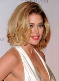 Best 10  Round face hairstyles ideas on Pinterest   Hairstyles for additionally 25 Short Hairstyles for Round Faces You Can Rock furthermore 40 Cute Looks with Short Hairstyles for Round Faces besides  together with Face Slimming Hairstyles for Round Faces besides  in addition Short Hair Ideas for Round Face   Short Hairstyles 2016   2017 besides Best 25  Hairstyles for round faces ideas only on Pinterest together with best hairstyles for round faces and glasses   Hair Styles further 181 best Round face haircuts images on Pinterest   Round face in addition Best 10  Round face hairstyles ideas on Pinterest   Hairstyles for. on images of haircuts for round faces