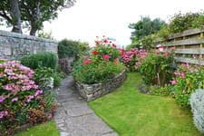 Pour aménager un petit jardin, il faut sélectionner les bonnes plantes, les bons matériaux, choisir un design symétrique. Comment Amenager Un Jardin A L Anglaise