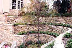 lannon weatheredge natural retaining wall stone at benson stone co in rockford il