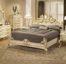 venetian romantic master bedroom design in victorian style