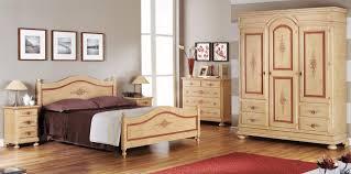Camere da letto e camerette : camera in legno laccata decorata