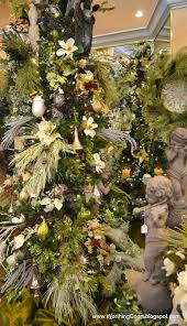 Christmas Decorations Designer Designer's Christmas Decorating Tips Wreaths Garlands and Trees 63