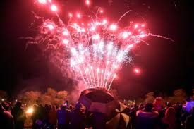 ellon roundtable fireworks 27th october 2018 firework display in ellon with on lookers