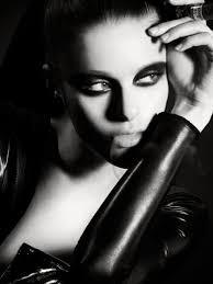 Photographer: Vincent Lions Model: Myra Richards (Gemini) Designer: Cindy  Renee Mathieu (Sodaliscious) | Black and white face, Beauty lounge, Beauty  shots