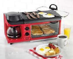 Retro Toasters 7 reasons to buy the 3in1 breakfast station by nostalgia 1879 by xevi.us