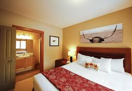 40 Bedroom Suite Lodges At Canmore Canada Booking Cool Hotels 2 Bedroom Suites Model Interior