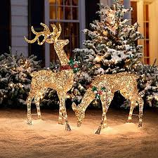 Best 25+ Reindeer decorations ideas on Pinterest   DIY Christmas reindeer  decorations, Diy christmas ornaments and Christmas decoration crafts