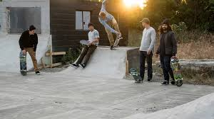 Скейтбординг: Nike SB, Levi's Skateboarding, <b>Carhartt</b> WIP, Stussy