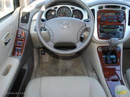 2005 Toyota Highlander V6 4WD Ivory Dashboard Photo #39052448 ...